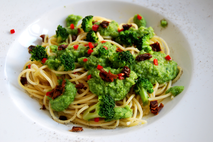 Broccoli Parsley Pesto + Spaghetti