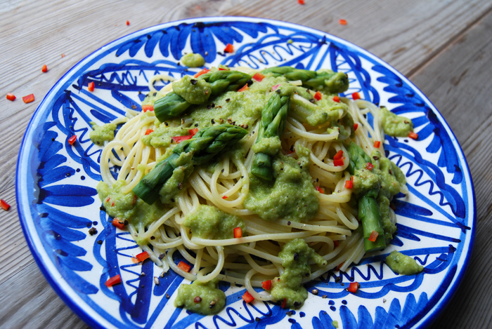 Spaghetti with Asparagus Anchovy Pesto