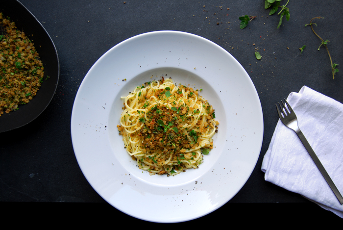 Spaghetti with Oregano and Parsley Pangrattato
