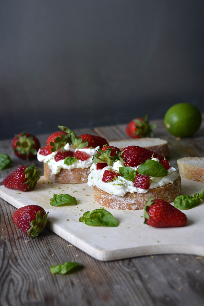 strawberrylimechevrebasilsandwich10