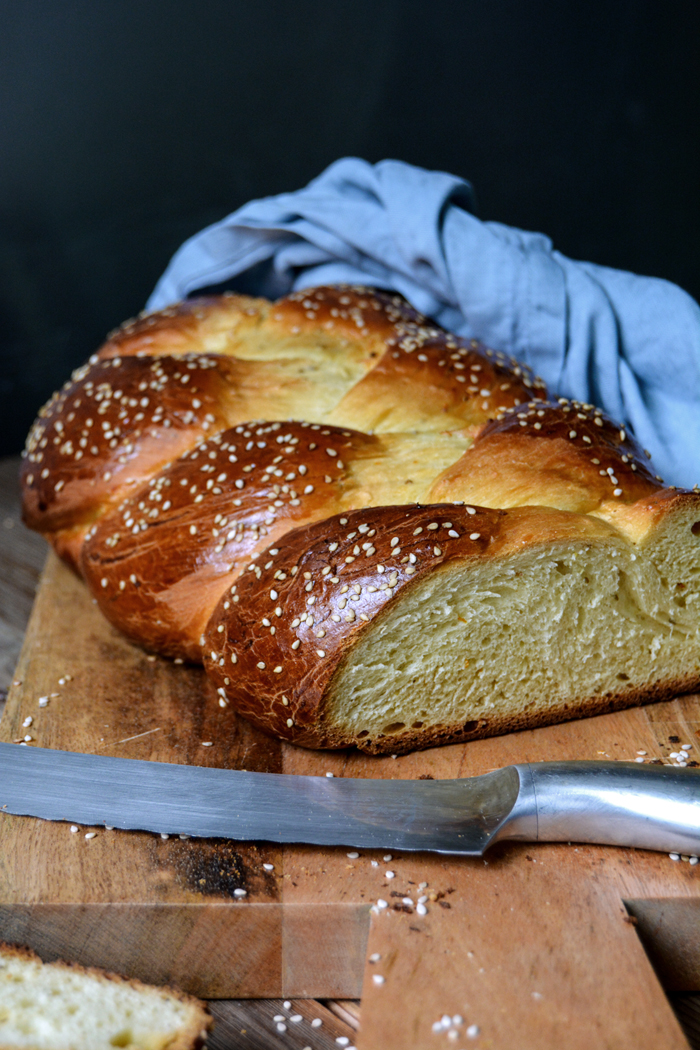 Tsoureki - Greek Braided Easter Bread with Aniseed and ...
