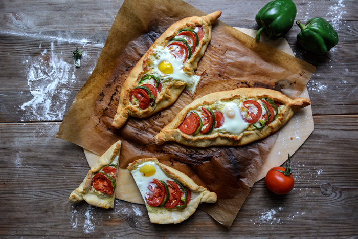 Cheese and Egg Pizza