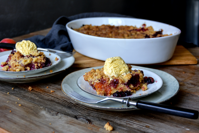 Crunchy Apricot Blueberry Crumble with Vanilla Ice Cream - eat in my ...