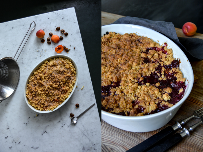 Spread the apricots and blueberries in the prepared baking dish.