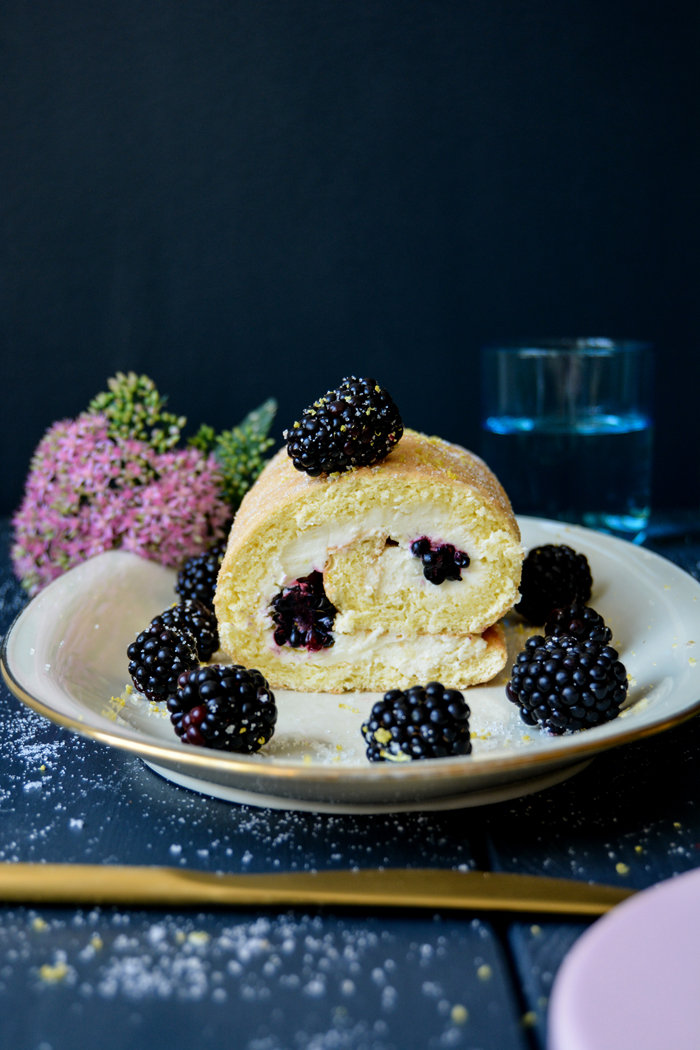 cheesecakeswissrollblackberries9